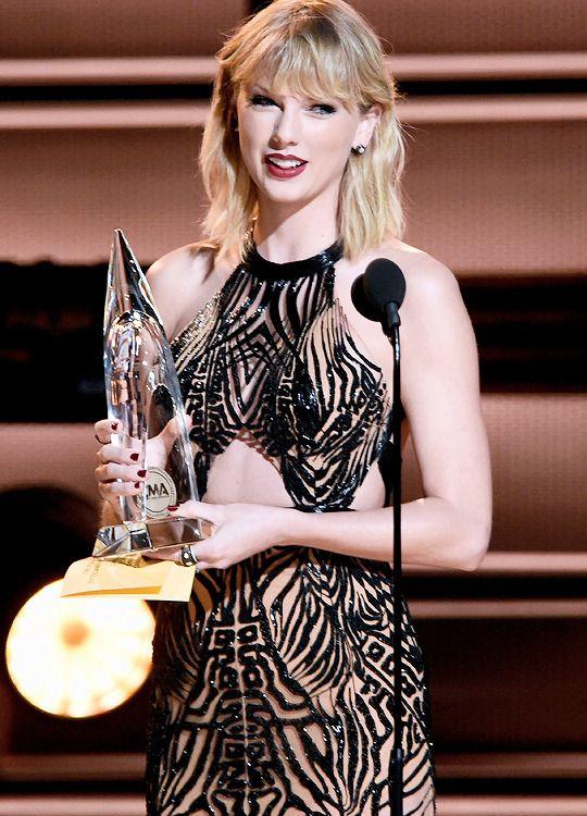 Taylor Swift Daily   Taylor swift dress, Taylor alison ...