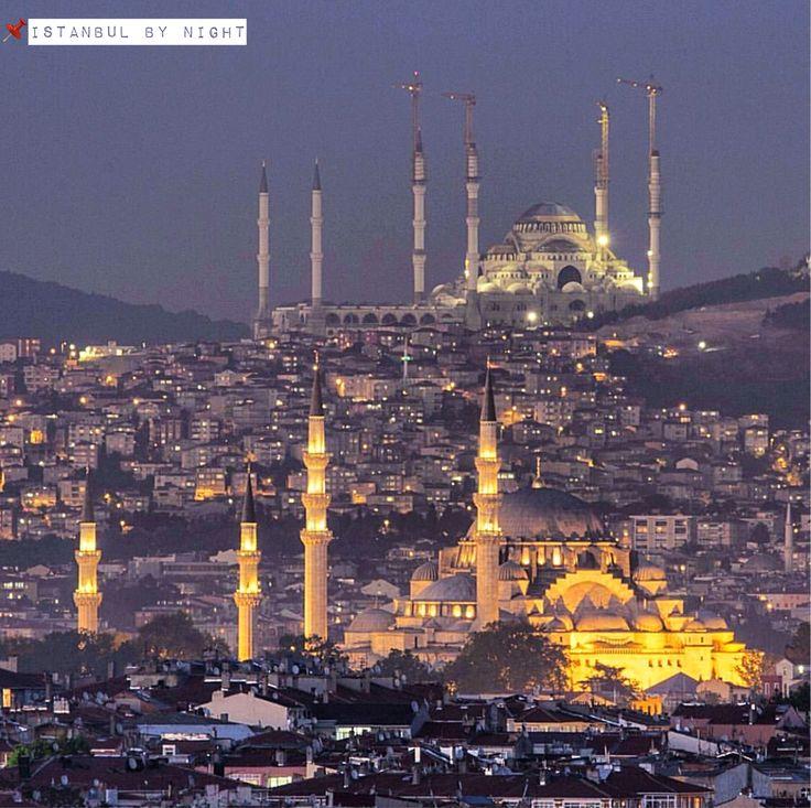 亞洲區的恰姆勒加山丘上正在興建佔地規模最大的清真寺,已接近完工階段。 ©metinbdemirel