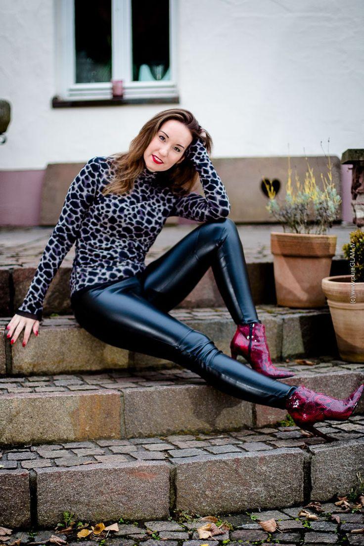 Glanz-Leder-Leggings von Wolford mit Steffen Schraut Top und Cro