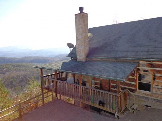 BLACK BEAR CROSSING, Sevierville, TN - Cabin Vacation Rentals