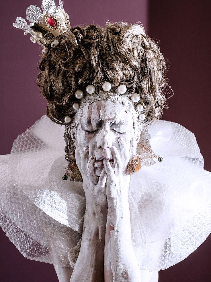 The Virgin Queen   Concept | Make Up & Hair _ Raffaella Fiore  Model | Maura Di Vietri Photographer | Carola Ducoli