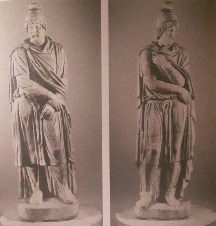 Statue  di Daci prigionieri   Fine II - inizi III sec.d.C.  Museo Archeologico Nazionale di Napoli.