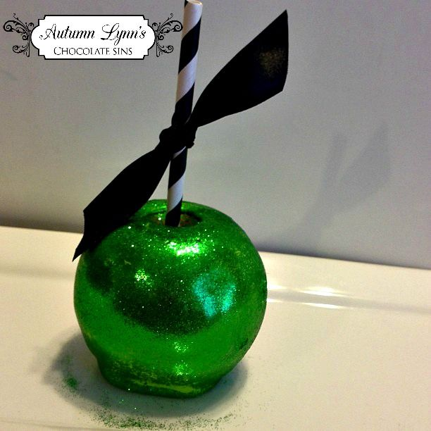 Green glitter candy apple!! Halloween Candy Apple Candied Apple!!