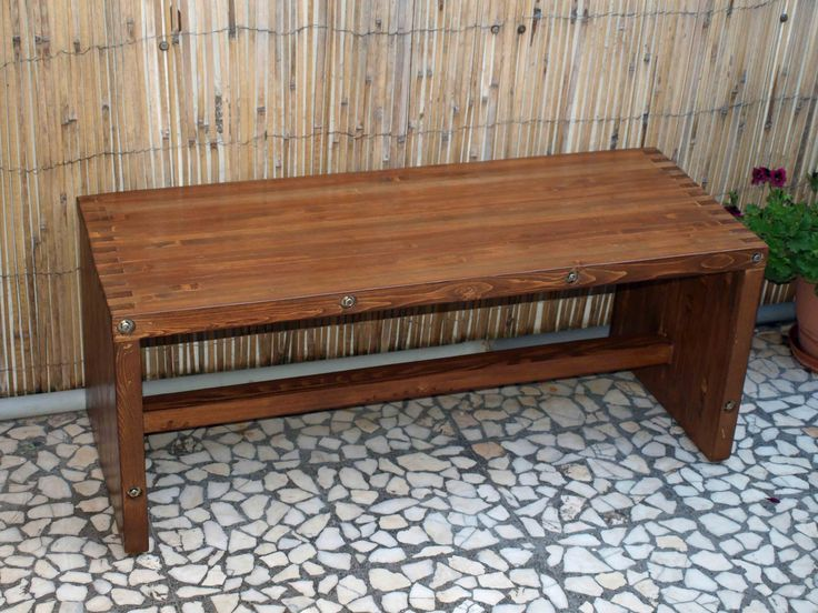 Bench made of pallet wood