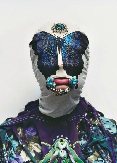 La création artistique n'a pas de limite (29). Noki 1JJ Hudson's Fashion DesignPhotographed by Axel Hoedt http://www.clintcatalyst.com/blog/tumblrification-feed-fed
