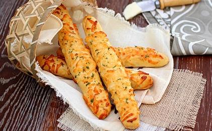 Κριτσίνια με τυρί και σκόρδο