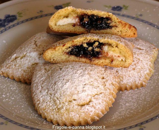Biscotti con farina di ceci, ricotta e marmellata
