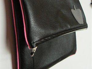 """Happy bag"" Apple (tuto proposé par La Barakossa)"