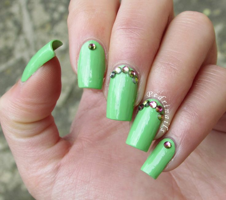 Light green Brazil Jungle the gel nail polish by Essence + colorful rhinestones in review: Born Pretty Store - Colorful nail art stud mini round UV gel nail art decoration