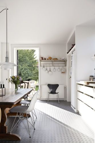 The Design Chaser: Homes to Inspire   Classic Cool