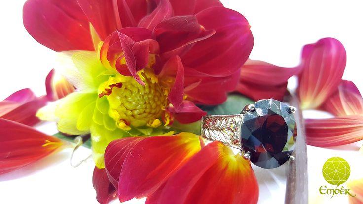 Engagement ring with Garnet set in 9ct white gold with engraving.#engagement ring#bespoke#white gold#engraving#garnet#ember