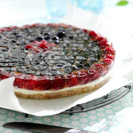 Cheesecake med bærtop -http://www.dansukker.dk/dk/opskrifter/cheesecake-med-baertop-1.aspx #dansukker #opskrift #kage #tærte #cheesecake #bær #lkkert #snack #eat #spis #food