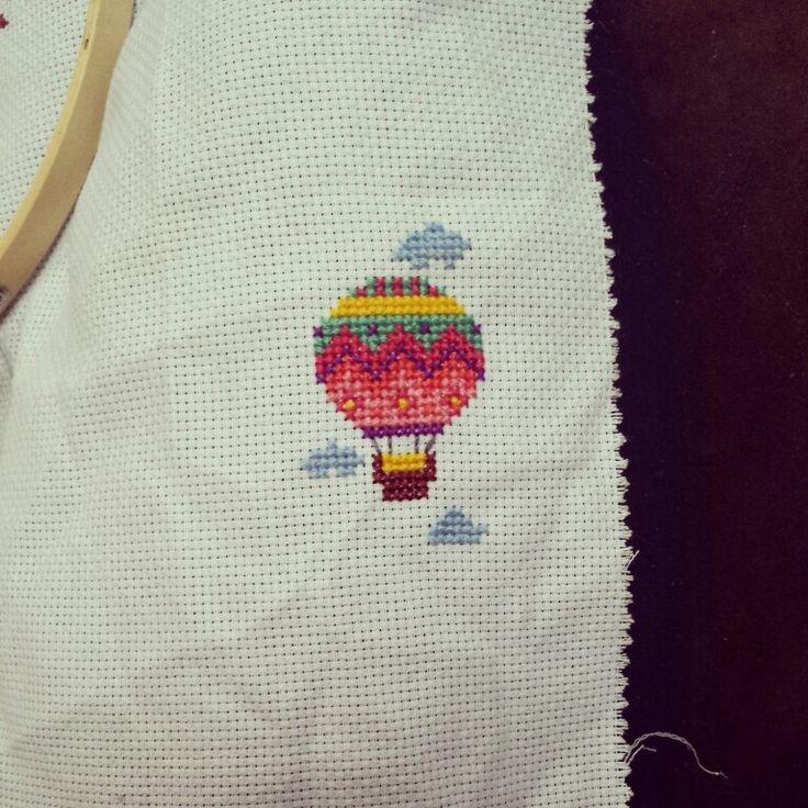 Small cross stitch hot air balloon