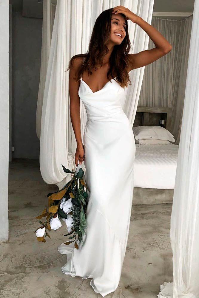 Schone Und Einfache Brautkleider Zu Berucksichtigen Source By Hochzeitskleid2019 Berucksichtigen In 2020 Tight Wedding Dress Modest Wedding Dresses Wedding Dresses