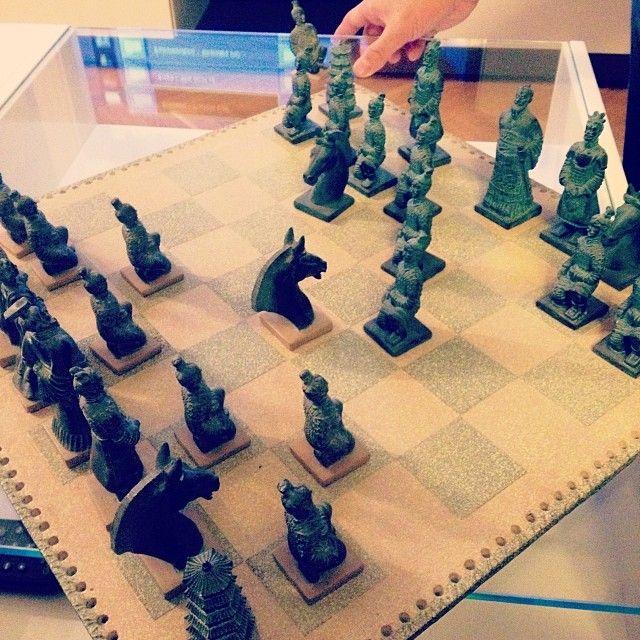 Los guerreros también juegan al ajedrez #LosMuchachos #buenastardes (tomada por #CristinaCerdeira en #Madrid) #sweetafternoon