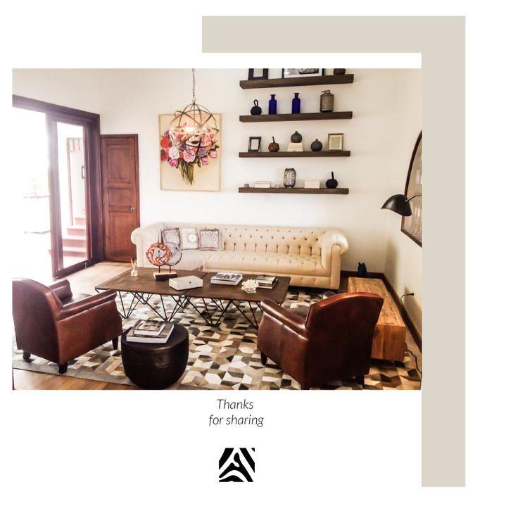 African Leather Tapetes. Medellín Colombia. Diseño y espacio Por el Diseñador Jose Hoyos.   Cowhide rugs. Tapes de cuero en pelo. Cowhide Patchwork Rugs