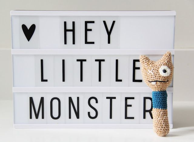 Studio Mojo: Gehaakte monster rammelaar met gratis patroon