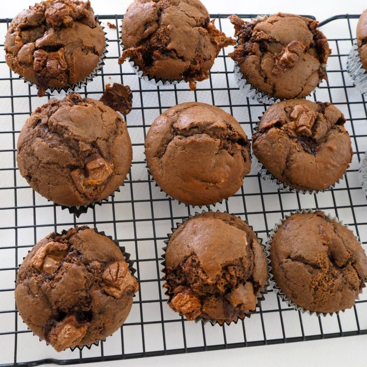 Imagine the gooey, caramel goodness of a Mars Bar, surrounded by a fluffy, chocolate muffin! Thanks to Create Bake Make, you no longer need to imagine…