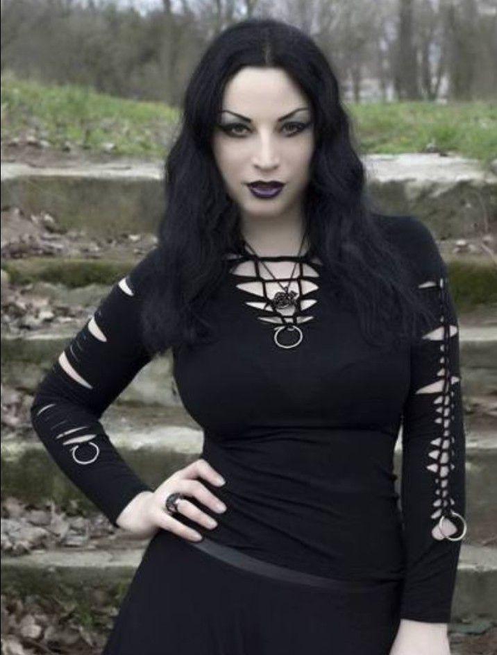 Goth chick — img 5