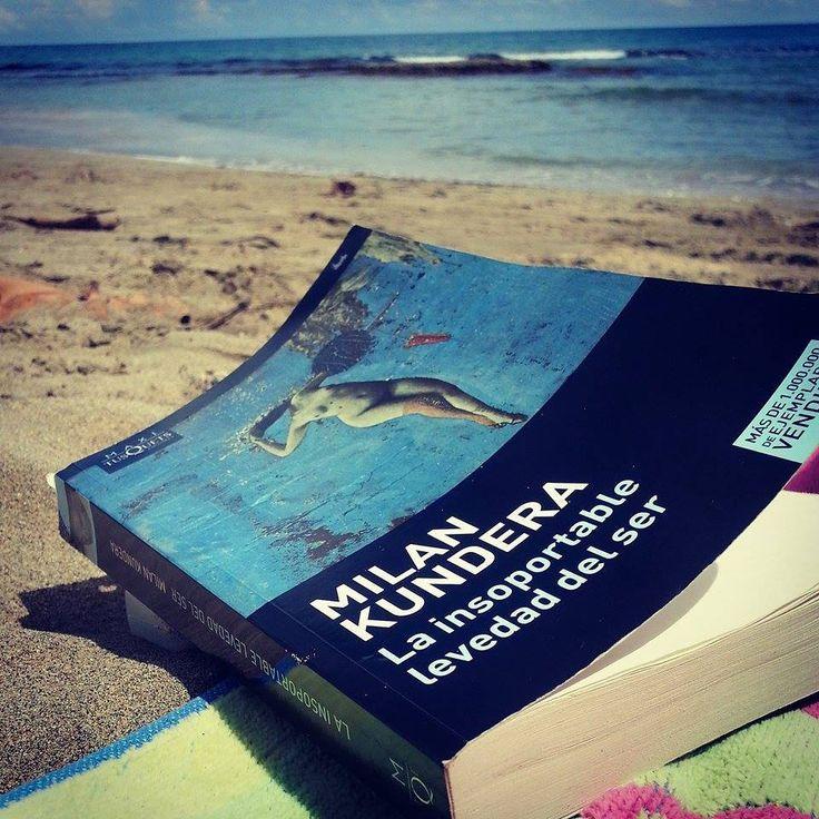 """""""No. Su drama no era el drama del peso, sino el de la levedad. Lo que había caído sobre Sabina no era una carga, sino la insoportable levedad del ser"""" Milan Kundera"""