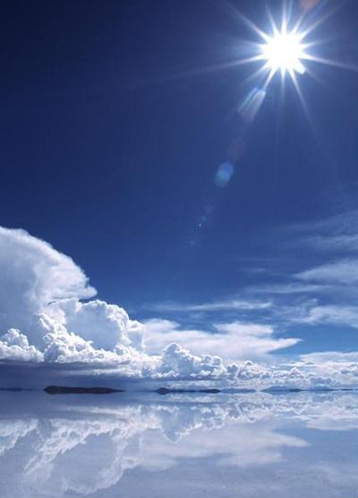 ウユニ塩湖。。絶対行きたい!!!。美しすぎる。。。