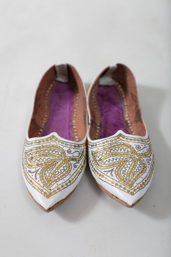 White Aladdin shoes / Turkish shoes / Arabic shoes by vintagepussy, $22.00