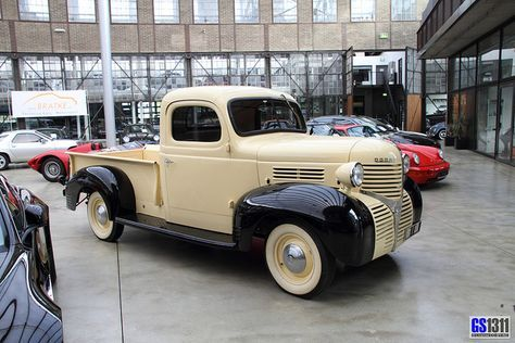 1939 Dodge pickup truck - first year of this design
