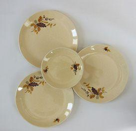 Five Plates, Autumn Leaves Pattern.