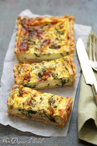 Un dejeuner de soleil: Quiche à la ricotta, gorgonzola et cresson