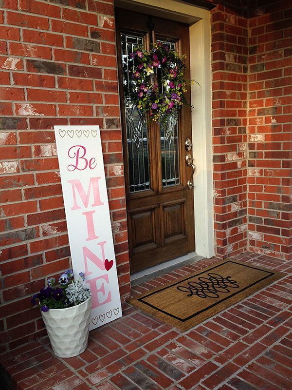 /erinschlosser/  made a warm and welcoming Reversible Valentine's Day Sign for her front porch using her Artistic Edge Digital Cutter. Click below and reference her helpful tutorial to make your own. Happy (early) Valentine's Day! http://www.artisticcreativeproducts.com/software/projects/reversible-valentines-daywelcome-sign
