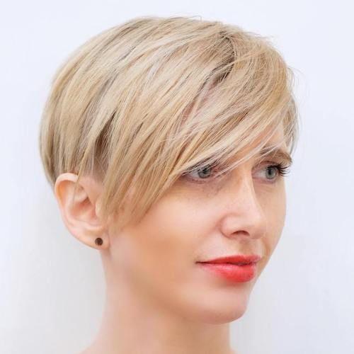 65 tagli super cool per le donne che hanno i capelli fini ,    I tagli di capelli per le donne che hanno una chioma piuttosto fine dovrebbero essere ispirati alla necessità di conferire alla stessa chioma u...
