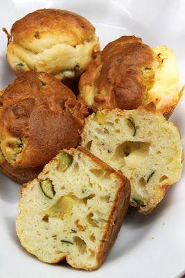 Oggi dovevo preparare un alimento da PIC-NIC e mi sono venuti subito in mente questi muffin salati, gustosi, nutrienti e facili da trasp...