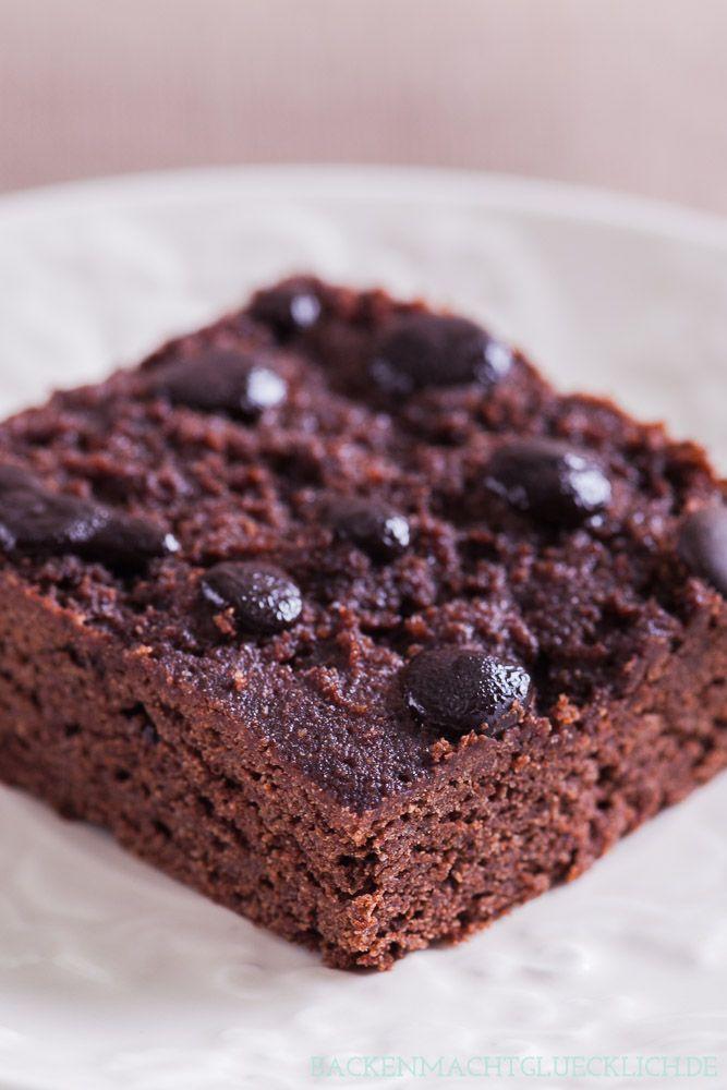 Zuckerfreie Low Carb Brownies mit Xylit und Mandelmehl | http://www.backenmachtgluecklich.de