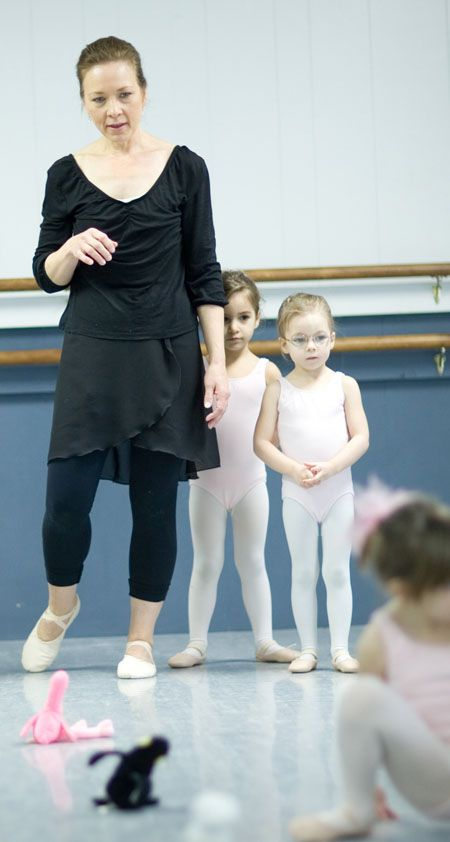 Ballet instructor helps her student with extra credit 8