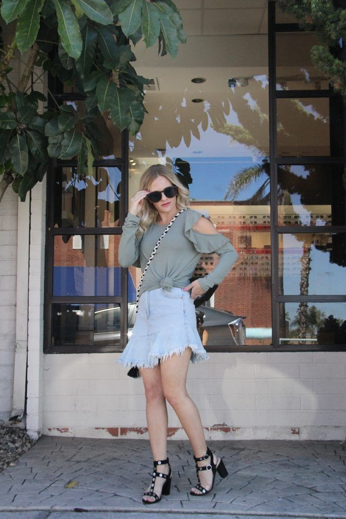Summer transition outfit - click through for more of this casual summer transition look featuring a ruffled mini skirt and cold shoulder top! | summer outfit idea | summer outfit inspiration | summer to fall transition outfit | how to wear a denim skirt | how to style a denim skirt | fashion blogger | blogger style