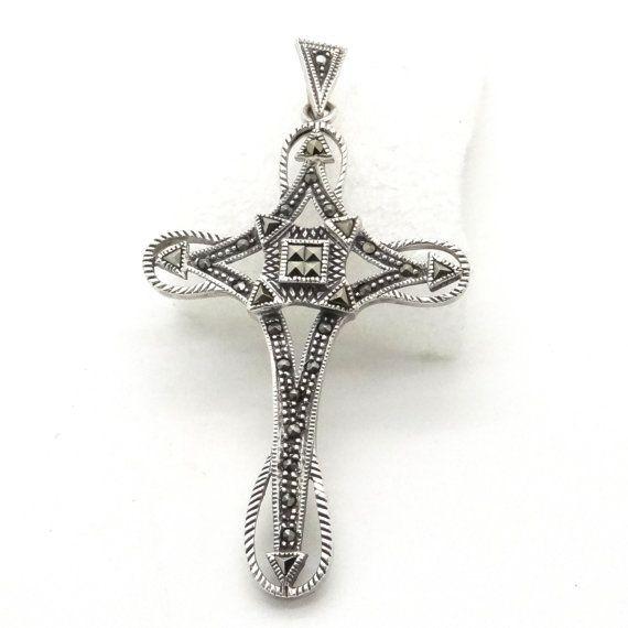 Croix en argent pendentif religieux marcassite par ChristianVintage