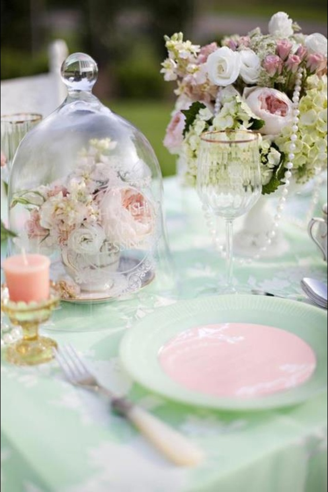 Vintage table setting with the flowers under glass cloches. Isnu0027t it lovely? & 202 best Vintage Table Settings images on Pinterest | Weddings ...