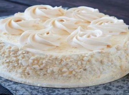 Tortul Regina Zapezii cu biscuiti si ciocolata este cu siguranta cel mai usor desert facut vreodata. Trebuie macar sa il incercati macar o data.   Ingredient
