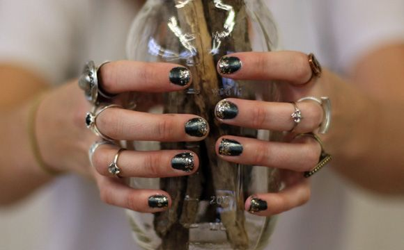 Nail art inspired by our Glam Rock looks. http://blog.freepeople.com/2012/11/beauty-diy-glam-rock-nails/