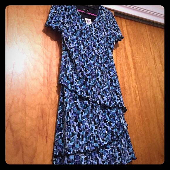 3 for $18 Wear to work Blue dress - NWT NWT    Brand: Connected petite     Size: 8P           Stretchy material, bottom has three tiers.  Length is at the knee. Connected Dresses
