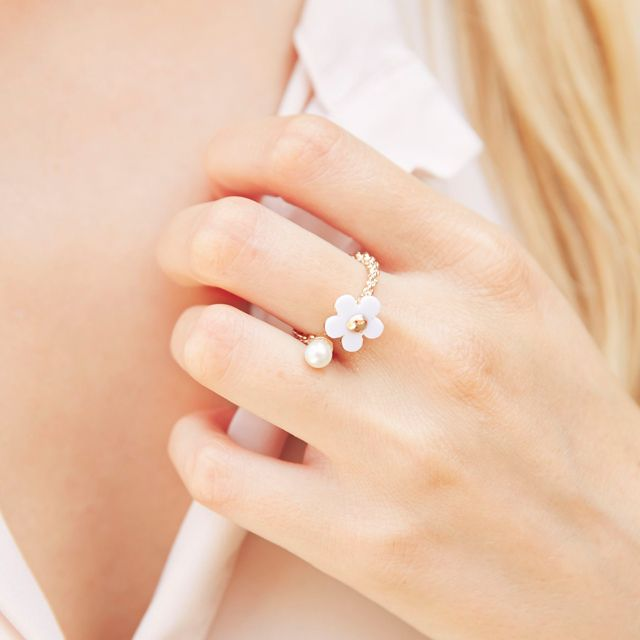 #bijoux #bague #ring #jewels #jewellery #flower #daisy #cute #lovely #romantic #amour #pearl #perle