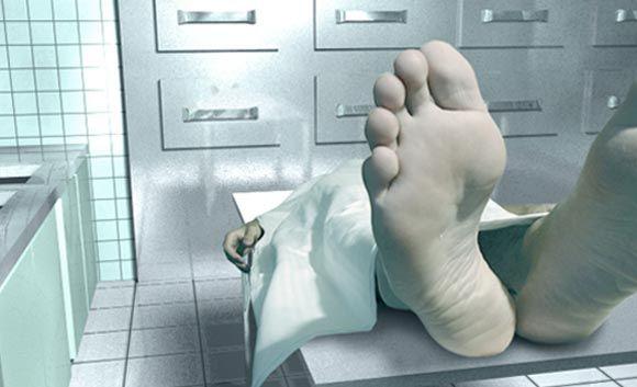Depois  de beber muita vodca, um russo ficou totalmente desacordado. Os paramédicos, de Khansanky (Rússia),   declaram ele como morto, mas para o espanto de todos, ele acordou já no necrotério.