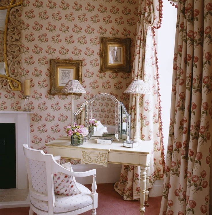 Country Dressing Room. Design by Oliver Burns.