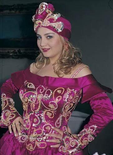 Sibeşl can türk ses sanatcısı.