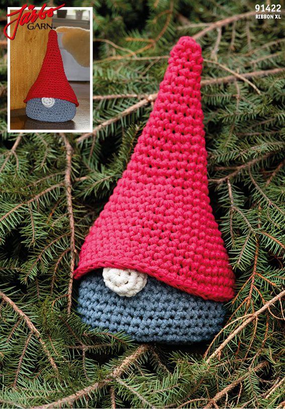 Crochet Santa in Hoooked's RibbonXL.