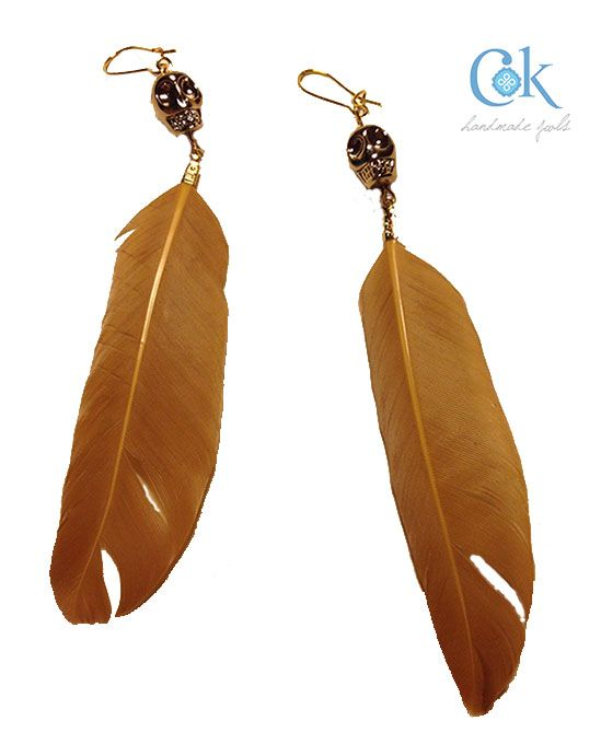 Gold skull earrings with feathers (281)
