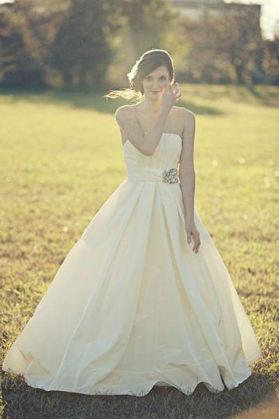 bridal portrait idea, Proximity Hotel wedding Greensboro North Carolina NC     Leigh Pearce Weddings  www.leighpweddings.com     Abigail Seymour Photography  www.abigailseymour.com