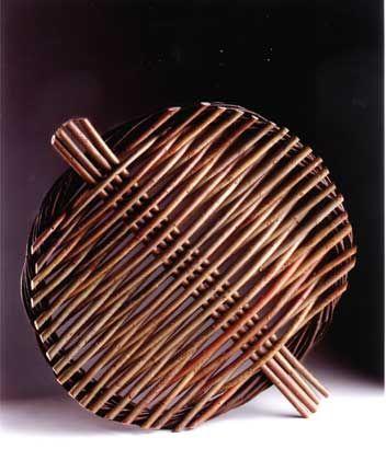 x x x ~ Willow shield, by Lizzie Farey.  35cm diameter. +++ pics on site