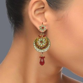 Featuring these gold plated kundan earring in our wide range of Earrings. Grab yourself one. Now!
