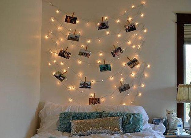 Parede de luzinhas e fotos. | 30 formas incríveis de decorar suas paredes sem gastar quase nada